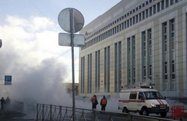 Трубу сгорячей водой порвало наМоисеенко
