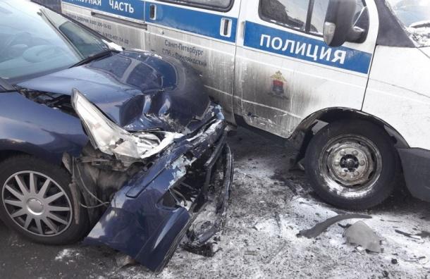 Петербурженка попала вбольницу после ДТП сучастием полицейской машины