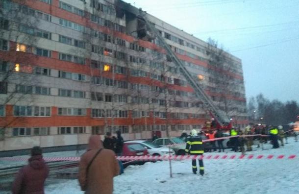 МЧС рассматривает две версии разрушения дома наНародного Ополчения