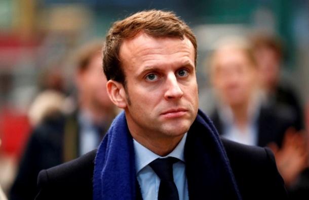 Президент Франции отказался посетить стенд России наПарижском книжном салоне