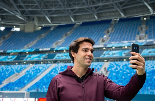 Кака посетил стадион наКрестовском