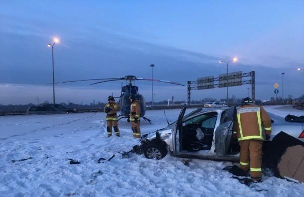 Дамбу перекрывали из-за серьезной аварии смаршруткой наКАД
