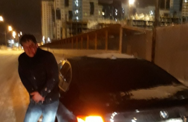 Петербуржцы устроили погоню запьяным автомобилистом