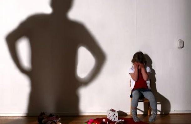 Шестиклассница забеременела после секса вподъезде