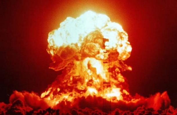 Насайте Минобороны выбирают имя ядерному оружию