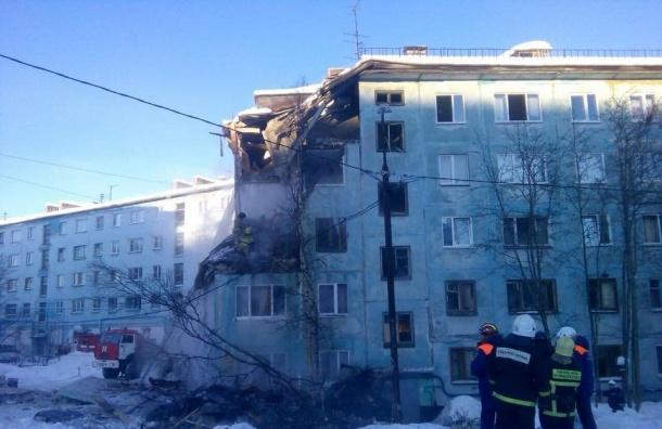 Человек погиб при обвале дома в Мурманске