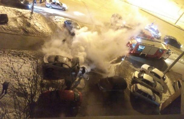 «Форд» сгорел напроспекте Стачек
