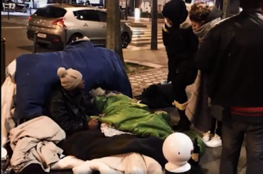 Парижские депутаты ночевали сбездомными