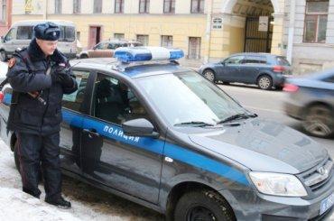 Посетитель ресторана вПушкине сломал руку официанту иотказался оплачивать счет
