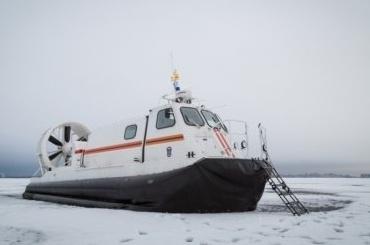Снегоход слюдьми ушел под лед вФинском заливе