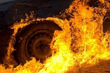 Три автомобиля сгорели заночь вПетербурге