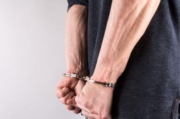 Добычей двух мужчин вограблении стали 450 рублей
