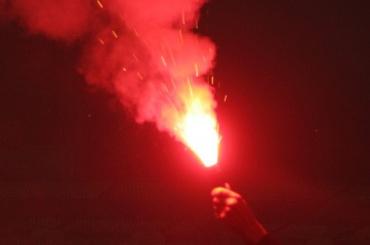 Файер кинули наполе вовремя матча «Зенит»— «Амкар»