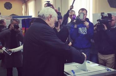 Георгий Полтавченко отдал свой голос навыборах