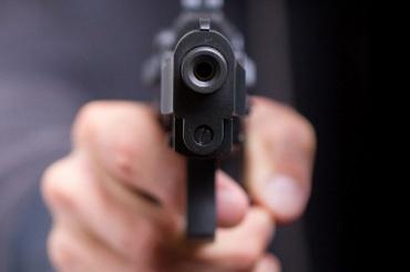 Очевидцы: ДТП наУдарников закончилось стрельбой