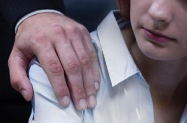 Омбудсмен: хирург незаметил беременность ушкольницы