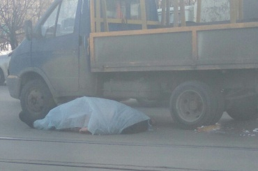 Водитель «Газели» умер наКомаровском мосту