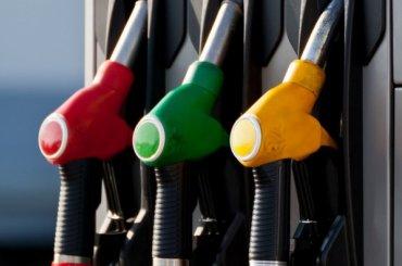 Цены набензин пообещали рост