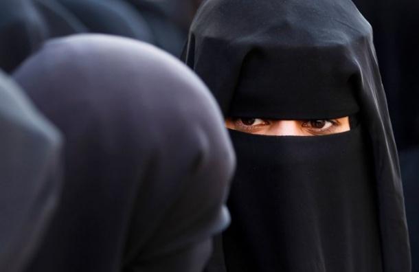 Гражданка Ирана получила два года тюрьмы зато, что сняла хиджаб