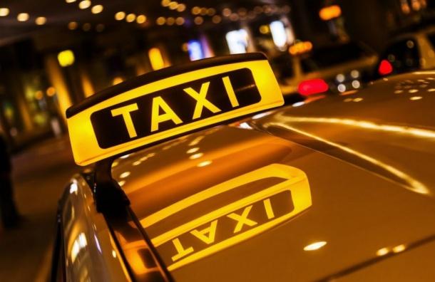 Петербургский таксист заставил клиентку расплатиться натурой