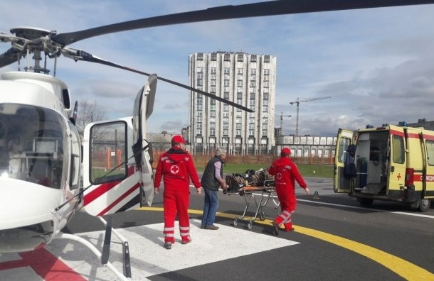 Вертолет забирал пострадавшего ваварии вГатчине