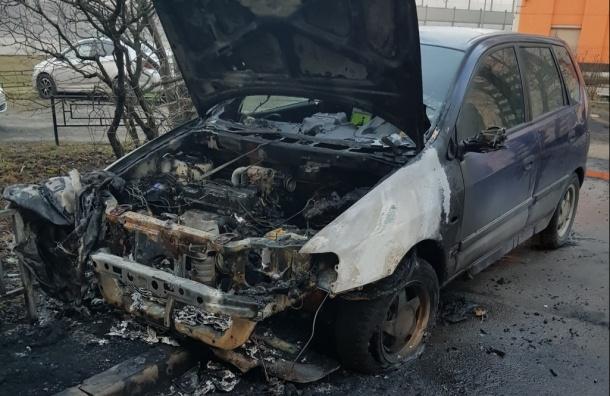 Три машины сгорели минувшей ночью