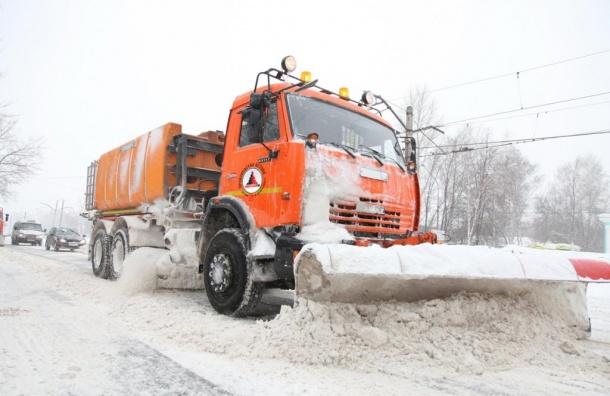 Рекордное количество снега расплавили вПетербурге