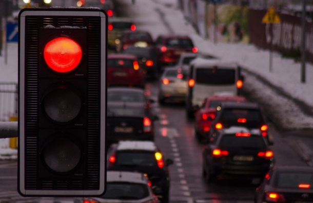 Пробки вПетербурге достигают 7 баллов