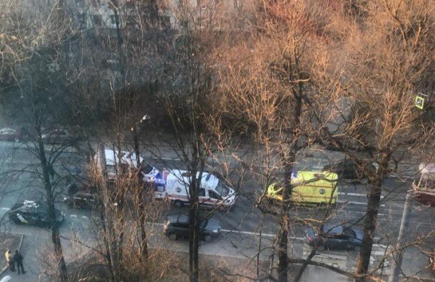 Пешехода увезли вмашине реанимации после ДТП вВыборгском районе