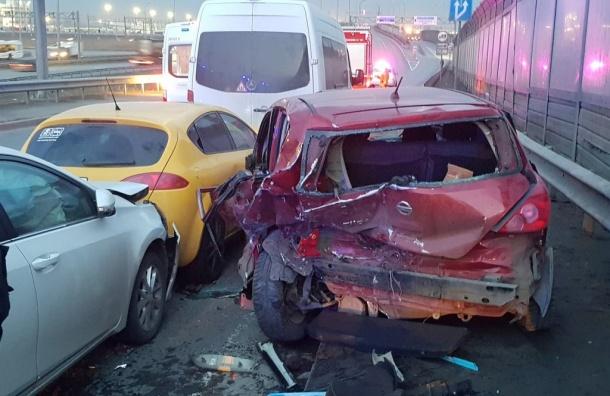 Вкрупном ДТП вПетербурге пострадали 5 человек