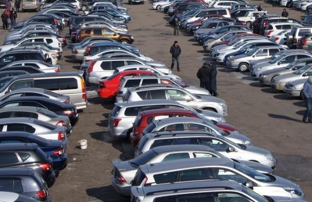 Продажи легковых автомобилей вмарте выросли на13,9%