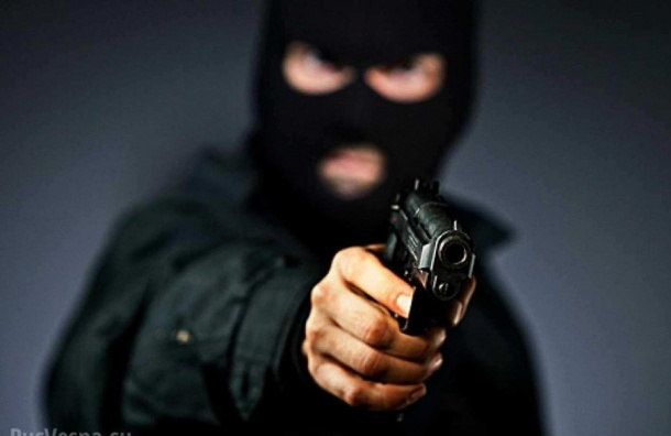 ВПетербурге пятеро разбойников «увели» млн. зарплатных руб. состройплощадки