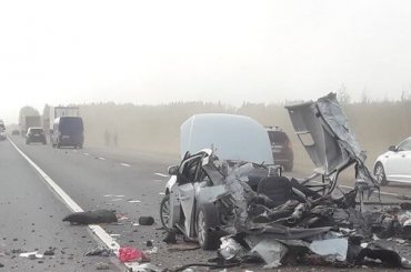 Машину спетербургскими номерами «разорвало» натрассе под Новгородом