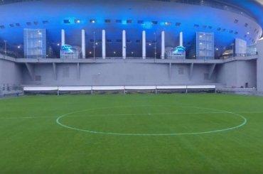 На стадионе «Санкт-Петербург» выкатили поле
