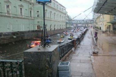 Бот-парад маломерных судов прошел вПетербурге