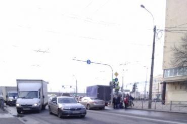 Ребенок попал под машину наЯкорной улице