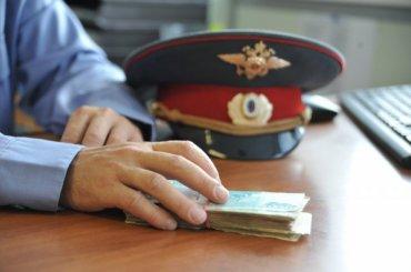 Петербургский полицейский обещал знакомому «условку» за600 тысяч рублей