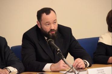 Петербургский единоросс предложил запретить сидеть всоцсети более трех часов