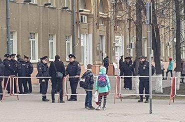 «Настоящий беспредел силовиков»: участников митинга против Тулеева задержали вКемерове