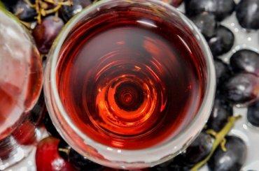 Петербург неограничит продажу алкоголя вмайские праздники