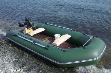 Мужчина похитил лодку иуплыл наней отполиции