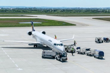 Пассажир скончался наборту рейса Петербург— Ереван
