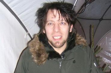 Музыкант Guano Apes покатался налошади вПетербурге