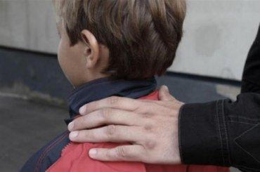 Учитель музыки признался полицейским влюбви кмальчикам