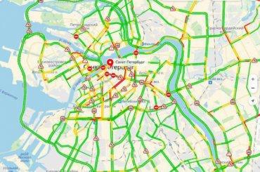 Центр Петербурга встал всубботние пробки