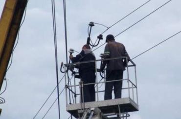 Более 1,4 тысячи жителей Лужского района сидят без света