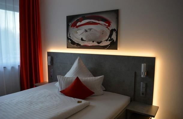 Восемь петербургских отелей попали вчерный список Ростуризма
