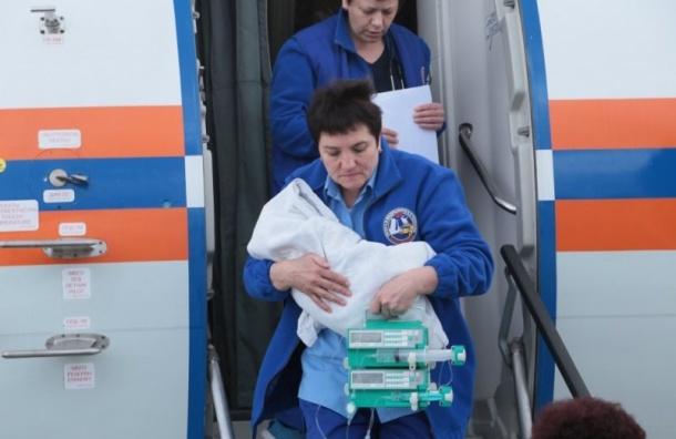 Спецборт МЧС доставил вПетербург тяжелобольного мальчика изРостова-на-Дону
