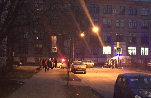 Легковушка сбила мотоциклиста наПромышленной улице