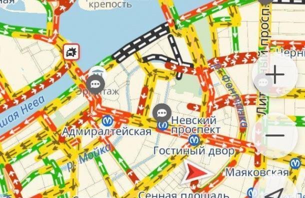 Пробки заблокировали центр Петербурга